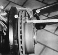 измерение толщины колодок дискового механизма audi 80