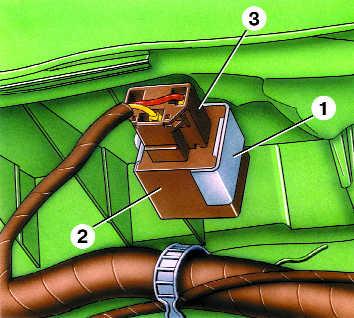 снятие и установка реле-прерывателя указателей поворота audi 100