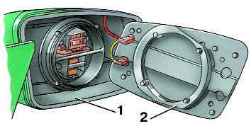 замена отражающего элемента наружного зеркала заднего вида audi 100